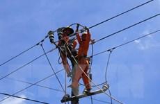 Điện lực Hà Tĩnh cấp điện nốt cho khách hàng bị ảnh hưởng của bão số 2