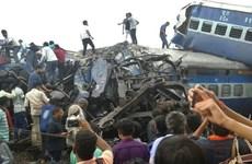 Vụ tàu hỏa trật đường ray xảy ra tại Ấn Độ có thể do phá hoại
