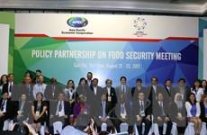 Đối thoại chính sách về an ninh lương thực, ứng phó biến đổi khí hậu