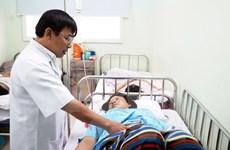 Đội cấp cứu ngoại viện cứu sống sản phụ bị lộn tử cung sau sinh