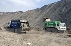 Quảng Ninh: Điều tra, làm rõ vụ đổ rác thải ở khai trường Than Núi Béo