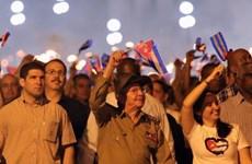 Tuổi trẻ Cuba tuần hành rước đuốc nhân 165 năm ngày sinh Jose Marti