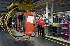 Ngành ôtô Anh có thể thiệt hại nặng nếu có cuộc chiến thương mại Mỹ-EU