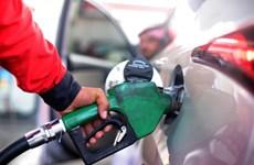 Giá dầu giảm mạnh do việc đánh thuế nhập khẩu cao với thép và nhôm