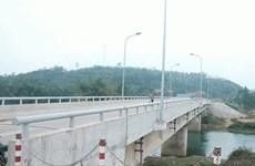 Hà Nội phân luồng giao thông phục vụ xây cầu Suối Hai 1 và Hạ Dục