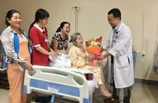 Bệnh viện Huế điều trị gãy xương đùi thành công cho cụ bà 101 tuổi