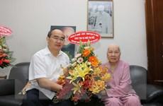 Bí thư Thành ủy TP.HCM Nguyễn Thiện Nhân thăm, tặng quà người cao tuổi