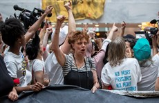 570 phụ nữ Mỹ bị bắt do biểu tình chống chính sách nhập cư
