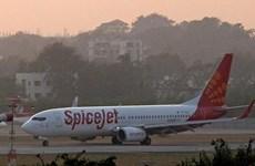 Máy bay Boeing 737 chở hơn 100 người hạ cánh khẩn cấp tại Ấn Độ