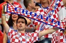 Lượng cổ động viên Croatia tăng mạnh trước trận tứ kết với Nga