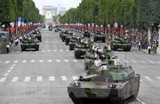 Nước Pháp đón Quốc khánh trong không khí chờ trận chung kết