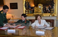 Việt-Pháp ký Tuyên bố Tầm nhìn chung về hợp tác quốc phòng 2018-2028