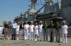 Đoàn sỹ quan, thủy thủ Hải quân Hoàng gia New Zealand thăm Việt Nam