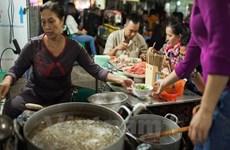 Hà Nội tổng kiểm tra an toàn thực phẩm tại các tuyến phố ăn uống
