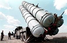 Nga bắt đầu chuyển các hệ thống tên lửa S-300 tới Syria