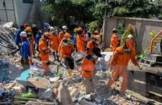 Chạy đua với thời gian để cứu nạn nhân vụ động đất, sóng thần