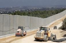 Quân đội Israel xây dựng hàng rào bêtông dọc biên giới với Liban