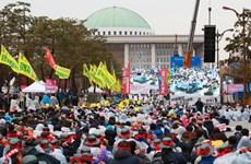 Khoảng 40.000 người lao động tham gia bãi công lớn tại Hàn Quốc