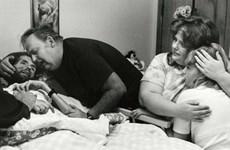 Câu chuyện xung quanh bức ảnh làm thay đổi cái nhìn về AIDS
