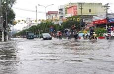 Mưa lớn, nhiều tuyến đường nội ô thành phố Bạc Liêu ngập sâu