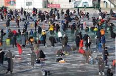 Lễ hội câu cá trên băng đặc sắc Hwacheon Sancheoneo ở Hàn Quốc