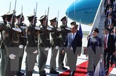 Thủ tướng Nguyễn Xuân Phúc đến Praha, bắt đầu thăm chính thức Séc