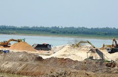 Tạm ngưng khai thác cát trong hồ Dầu Tiếng để đảm bảo nguồn nước