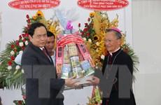 Chủ tịch Ủy ban MTTQ Việt Nam chúc mừng Lễ Phục sinh tại Bình Thuận