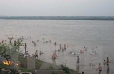 Cảnh báo nguy hiểm ở các bãi tắm tự phát tại thủ đô Hà Nội