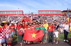 Đội bóng đá thiếu niên Việt Nam tranh tài ở World Flags Junior Cup