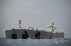 Gibraltar bắt giữ thêm 2 quan chức trên tàu chở dầu của Iran