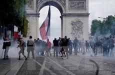 Xung đột giữa cảnh sát Pháp và người biểu tình 'Áo vàng' sau diễu binh