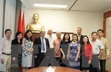 Đoàn cán bộ Tạp chí Cộng sản thăm và làm việc tại Canada