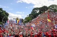 Venezuela thu thập chữ ký người dân phản đối lệnh phong tỏa của Mỹ