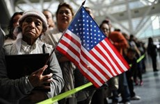 Mỹ ban hành quy định mới về cấp thẻ xanh cho người nhập cư