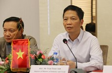 Việt-Lào tăng hợp tác phát triển công thương, năng lượng và mỏ