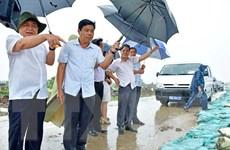 Bộ trưởng Kế hoạch-Đầu tư kiểm tra tình hình sạt lở bờ biển ở Cà Mau