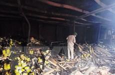 Nguy cơ nhiễm độc sau vụ cháy ở nhà máy Bóng đèn Phích nước Rạng Đông