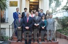 Đoàn Ban Kinh tế Trung ương Đảng thăm và làm việc tại Anh