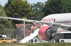 Máy bay hãng Air India gặp sự cố hy hữu ở cửa sổ buồng lái