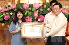 TTXVN: Ban Biên tập tin Kinh tế nhận Bằng khen của Thủ tướng