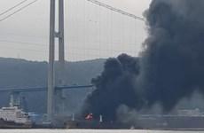 Hàn Quốc: Một tàu đang sửa chữa tại cảng Yeompo bị bốc cháy