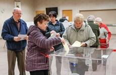 Cử tri Ba Lan bắt đầu đi bỏ phiếu cuộc bầu cử Quốc hội mới