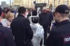 """Nga phát triển """"Cảnh sát người máy"""" mang tên Promobot"""