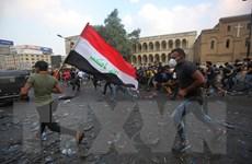 Người biểu tình Iraq chiếm một phần cây cầu chính ở thủ đô Baghdad