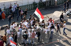 Iraq: Người biểu tình tiếp tục phong tỏa cảng hàng hóa quan trọng