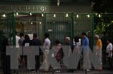 Số người bỏ phiếu bầu cử hội đồng quận tại Hong Kong tăng cao kỷ lục