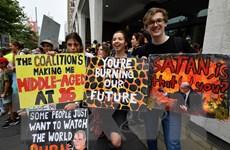 Hàng chục nghìn người tuần hành về chống biến đổi khí hậu