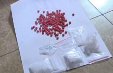 Bắt quả tang đối tượng mua bán trái phép khoảng 1kg ma túy tổng hợp