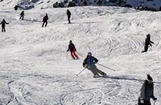 Pháp: Gần 1.000 du khách bị kẹt ở núi Alps vì thời tiết xấu